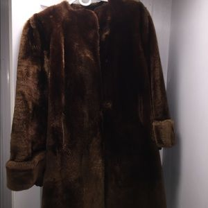 Women vintage Beaver coat size medium. Brown